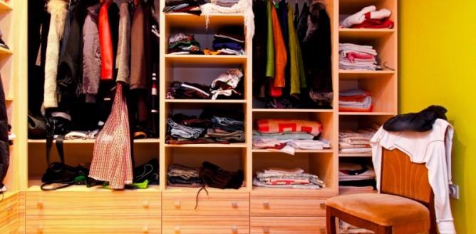Jakie głębokości wnęk powinnam przewidzieć na szafy?