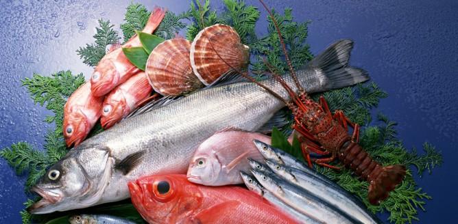 Ryby w wakacyjnym menu - dietetyk radzi