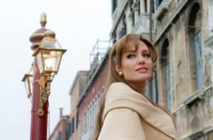 Angelina Jolie jako femme fatale