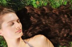 Jak dbać o bardzo długie włosy?
