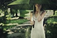 Jak przetrwać deszczowe lato?