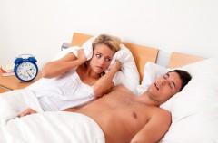 Jak wyleczyć chrapanie partnera?