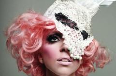 Lady Gaga razy osiem!