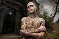 Zombie boy - nowa maskotka świata mody?