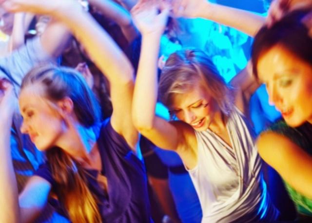 Babska impreza może być szalona! /fot. Fotolia