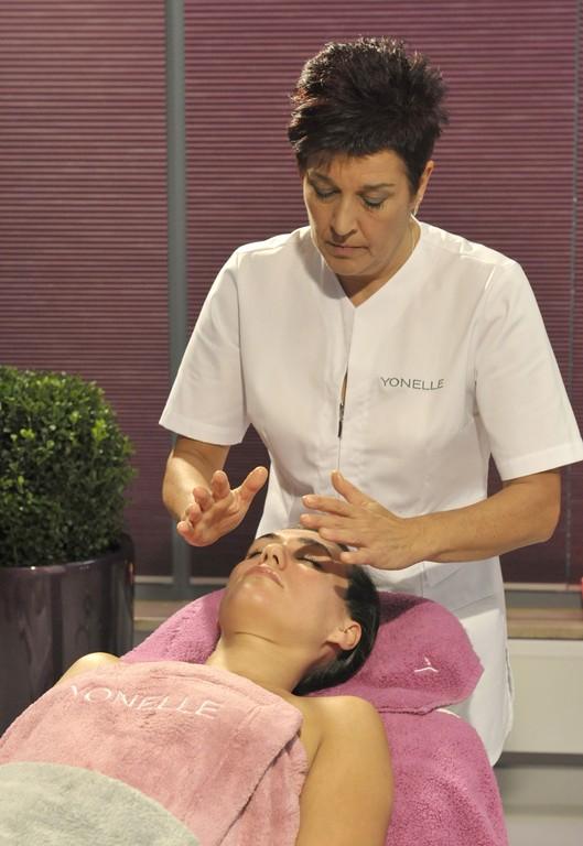 Anne Parry, masaż Tsuboki