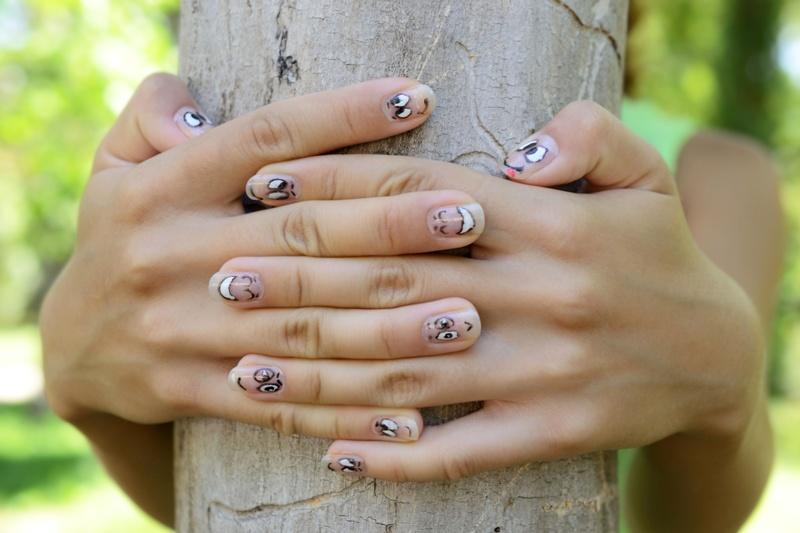 Uśmiechnięte paznokcie