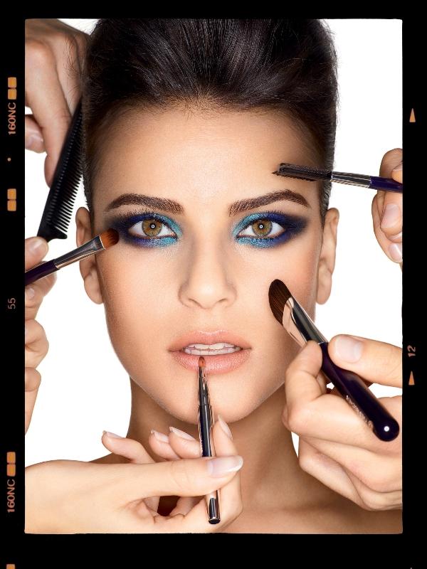 Makijaż w intensywnym kolorze