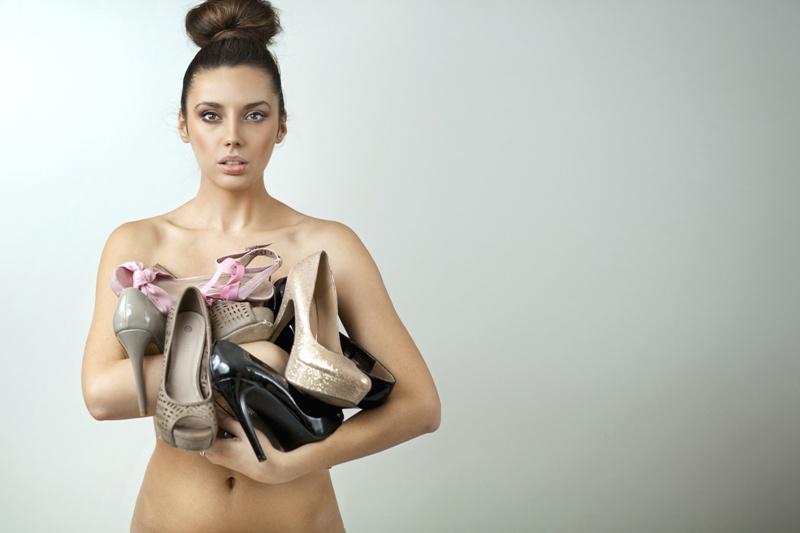 Kobieta z butami