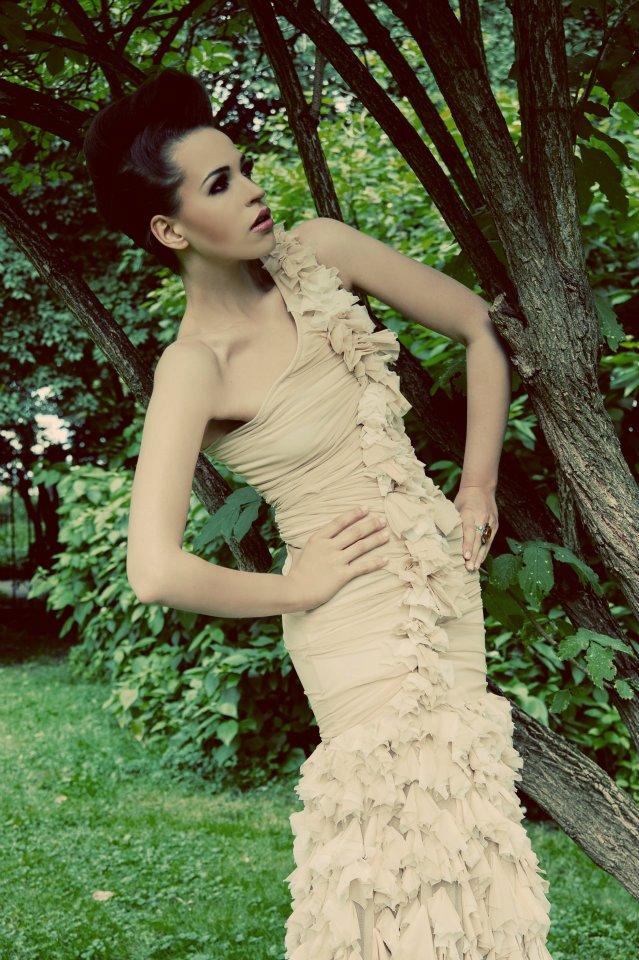 Suknia ślubna - awangardowy fason