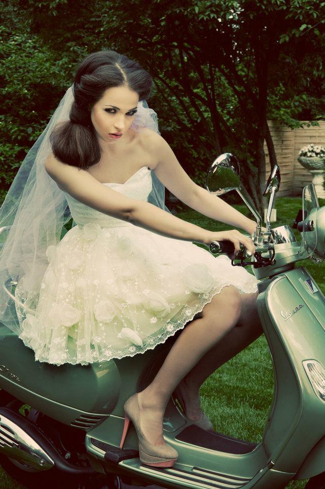 Koronki w modzie ślubnej 2013