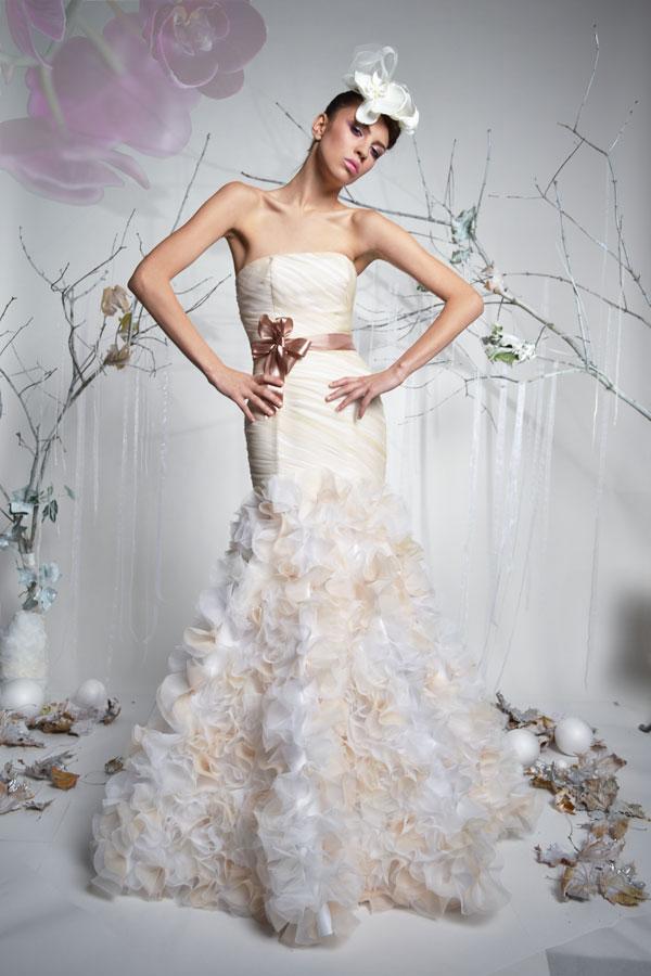 Tiul w modzie ślubnej