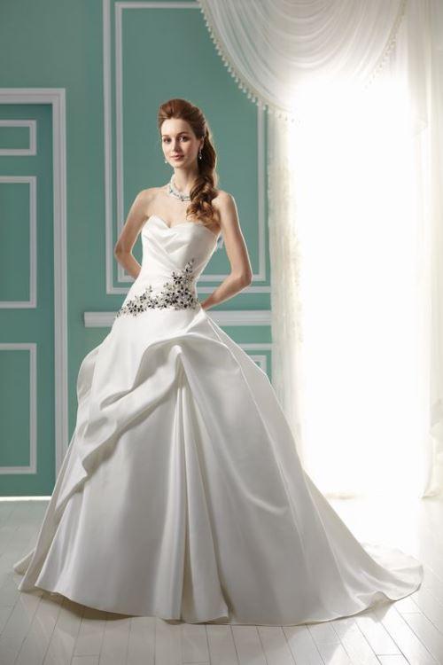 13c637cee3 Sukienki na ślub cywilny - poradnik  ZDJĘCIA  - Suknie ślubne i ...