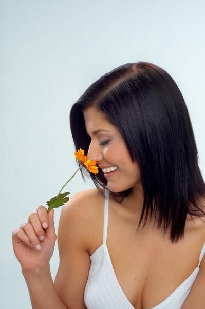 Почему одни ароматы пахнут одними и воняют другим?