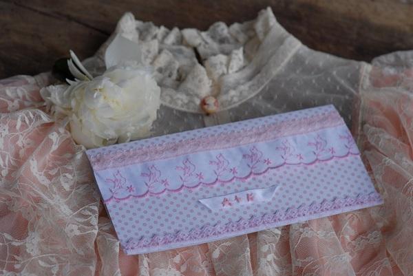 Zaproszenie ślubne z koronkami