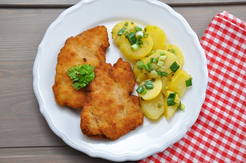 Schabowy Z Ziemniakami I Kapusta Tradycyjny Polski Obiad Pod Lupa