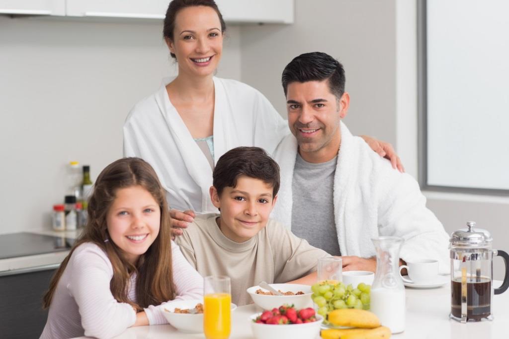 Дети чаще едят овощи, которые они готовят вместе с родителями