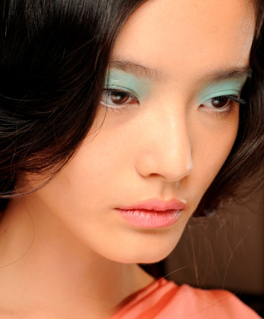 Makijaż pastelowy na wiosnę 2014