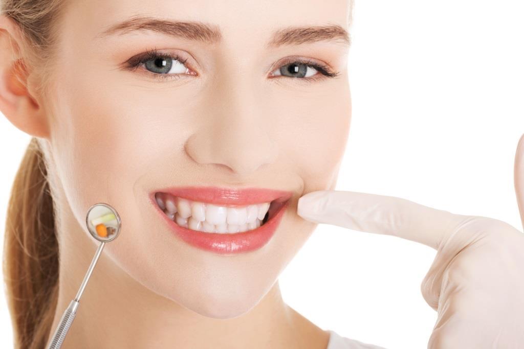 bezpłatne zabiegi stomatologiczne Dzień Kobiet