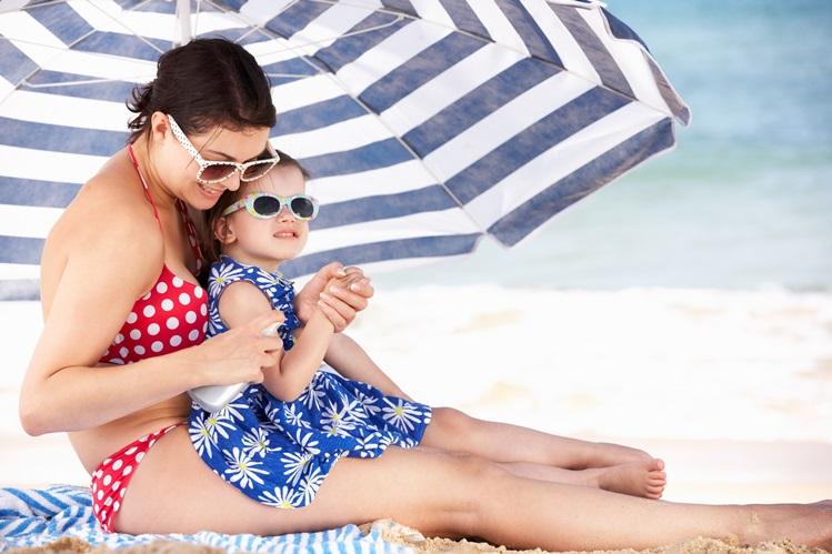jak latem chronić skórę małego dziecka