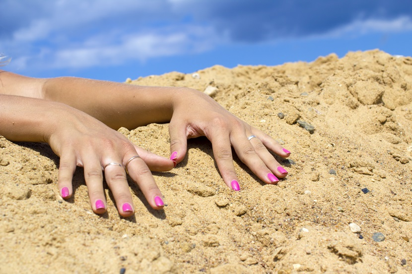paznokcie a słońce
