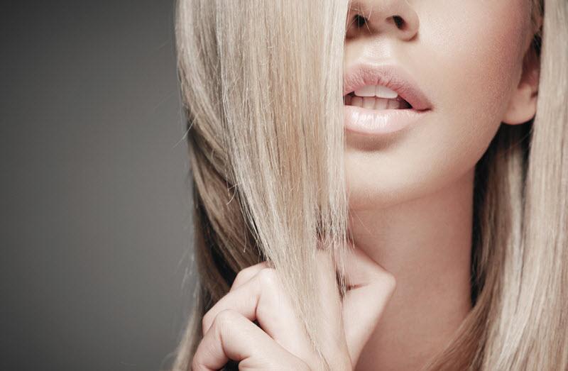 jak zregenerować suche i zniszczone włosy