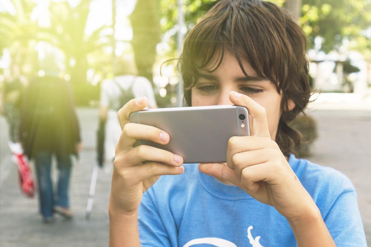 smartfon uzależnienie