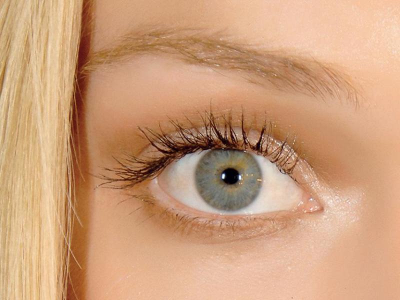 Sposoby na podpuchnięte oczy