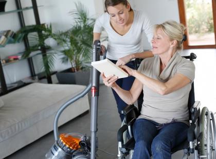 Czym zajmuje się osobisty asystent osoby niepełnosprawnej?
