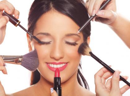 Kolejność nakładania kosmetyków – makijaż krok po kroku