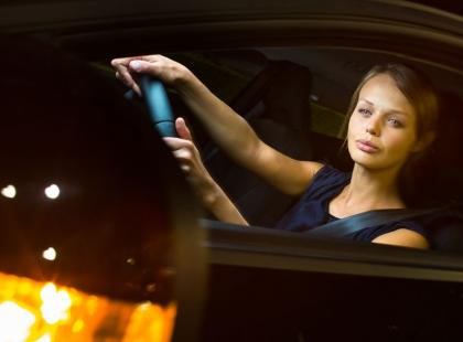 7 zasad bezpiecznej podróży nocą