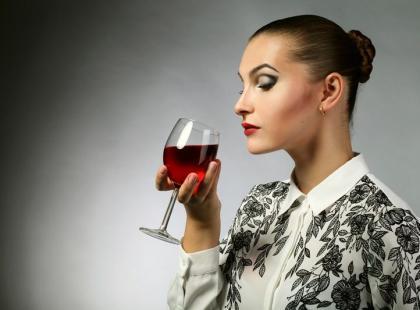 Jak wygląda kobiecy alkoholizm?