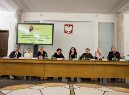 """W Sejmie odbyła się debata dotycząca zakazu aborcji i sprzedaży """"pigułki po"""""""