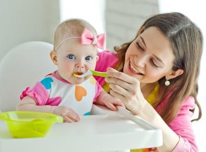 Jak rozwija się układ pokarmowy niemowlęcia?