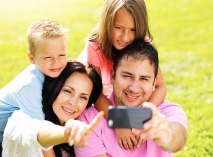 Jak wykonać rodzinną sesję zdjęciową?