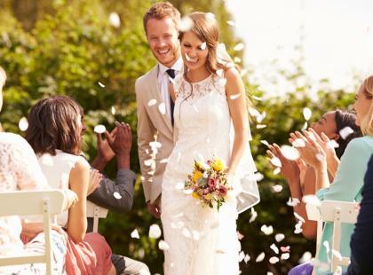 O czym należy pamiętać, organizując ślub w plenerze