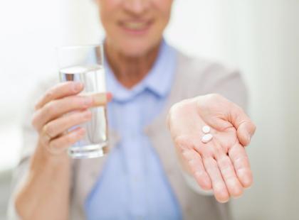 Masz problem z połykaniem tabletek? Zobacz, jak zrobić to prawidłowo!