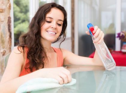 Zdziwisz się! Oto lista 5 obowiązków domowych korzystnych dla twojego zdrowia i sylwetki
