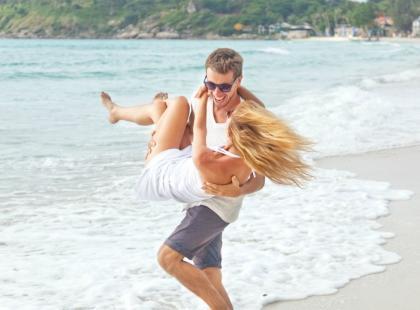 7 oznak, że wakacyjna miłość może przerodzić się w związek