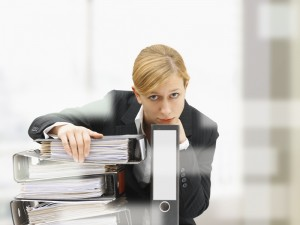 Czy kobieta (matka) może pracować w godzinach nadliczbowych?
