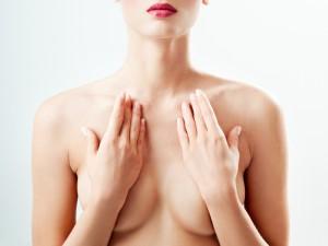 Co robić, gdy wyczujesz guzek w piersi?