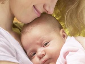 Jak dbać o główkę niemowlęcia