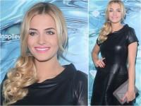 Rozalia Mancewicz w skórzanej czarnej sukience