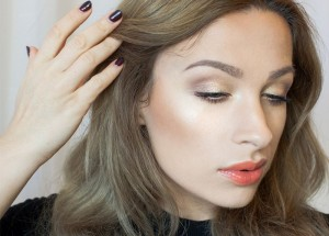 Makijaż rozświetlający krok po kroku