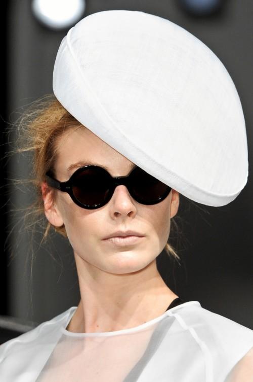 modne okrągłe okulary pzreciwsłoneczne