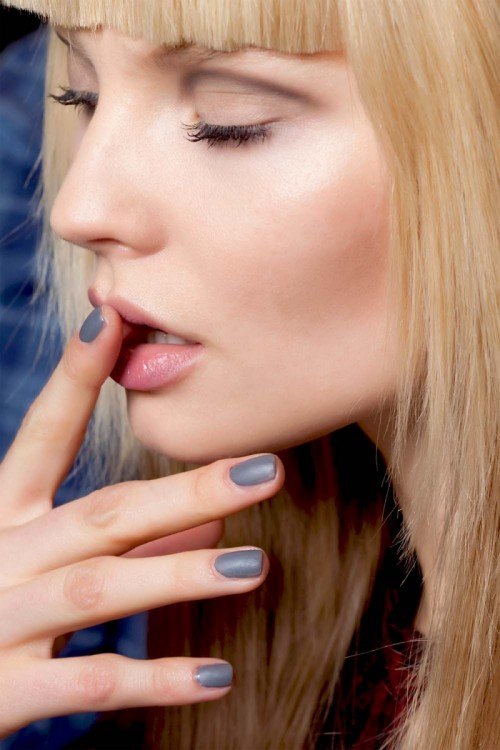 modne paznokcie jesień 2012, modny manicure 2012, jak ozdobić paznokcie, modne wzory na paznokciach