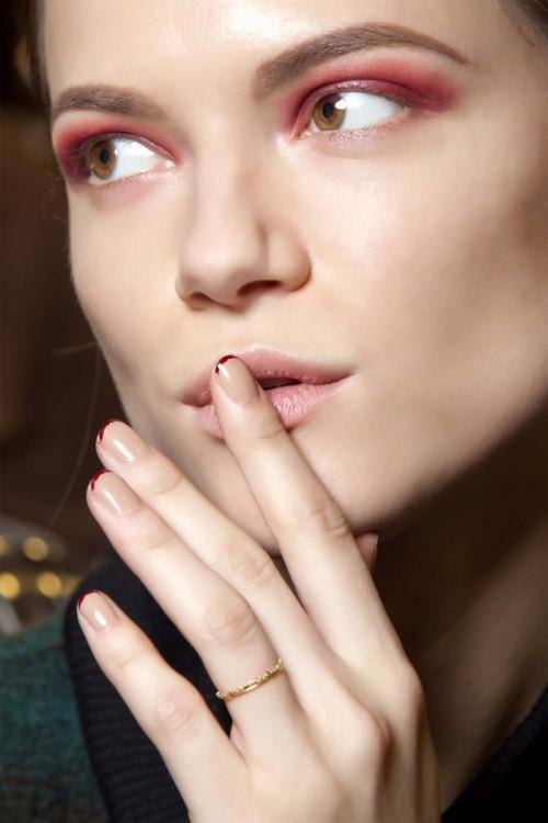 modnymanicure, dwukolorowe paznokcie, manicure ciemna końcówka