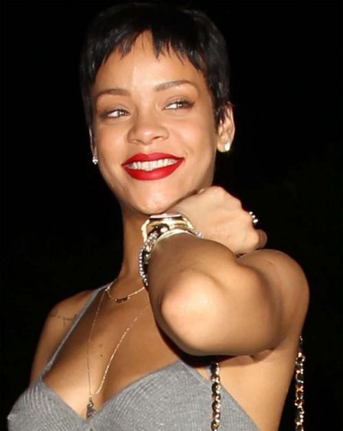 Rihanna w czerwonej szmince