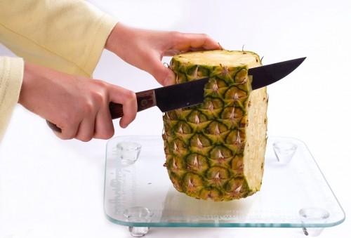 Ananas - jak obierać i kroić