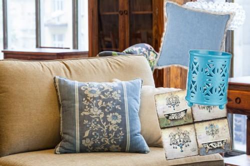 Kremowy i niebieski - klasyczne połączenie barw we wnętrzu